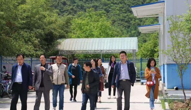 甘肃陇南市招商督查组赴康元生物工程有限公司检查验收食用菌精深加工项目
