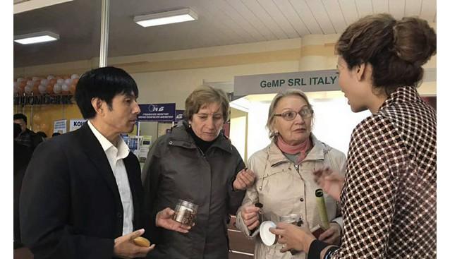 甘肃:康县兴源土特产公司香菇脆片受到国外消费者青睐