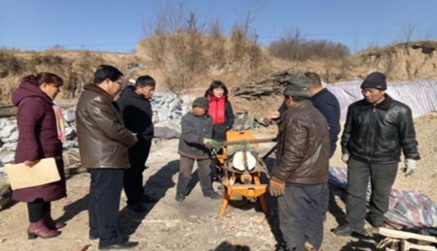 山西:和顺县农机局张晋局长一行对23户建档立卡贫困户进行了节前慰问