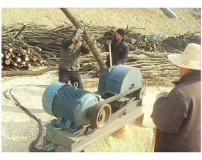 菇木粉碎机 木屑粉碎机碎木机 木头圆木树枝边角竹子粉碎机