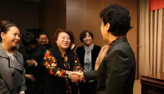 巾帼展风采 昌盛在路上——昌盛公司总经理南俊锋参加中国妇女第十二次全国代表大会