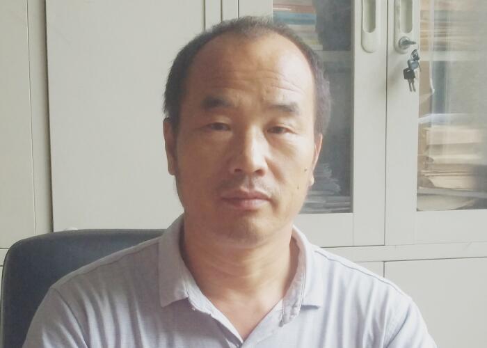 张忠旺:悉心钻研鸡腿菇种植技术 引领农户发家致富
