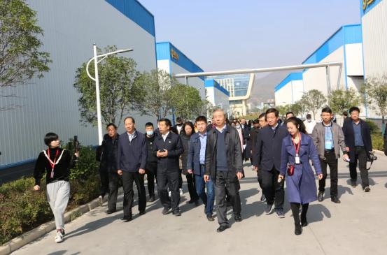 2020中國(三門峽)食用菌新產品新技術博覽會會期參觀香菇菌棒生產線及栽培基地