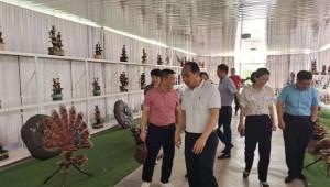 和博创投集团董事会主席谢和博前往山东效峰生物公司指导食用菌研发工作